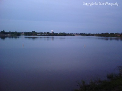 05/07/2007  Lake Shawnee .  Sometime between 7:30 and 8:30pm.  From top of walkway looking out over lake.