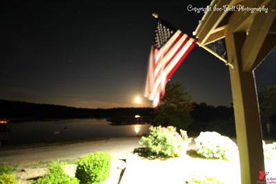20160522-MoonAndAmericanFlag-02