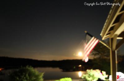 20160522-MoonAndAmericanFlag-01