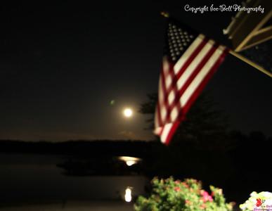 20160522-MoonAndAmericanFlag-03