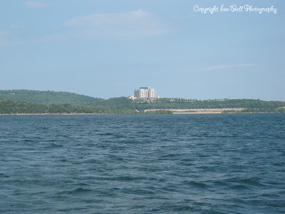 05/28/03  A look at the Chateau on the Lake.  This is a hotel that sets right beside the dam on Table Rock Lake
