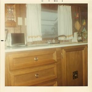 Big Trailer - Kitchen