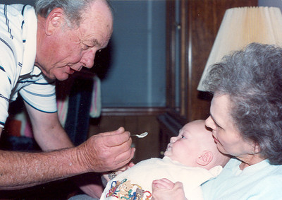 Papaw & Granny Bean with Baby Kelley 962x680