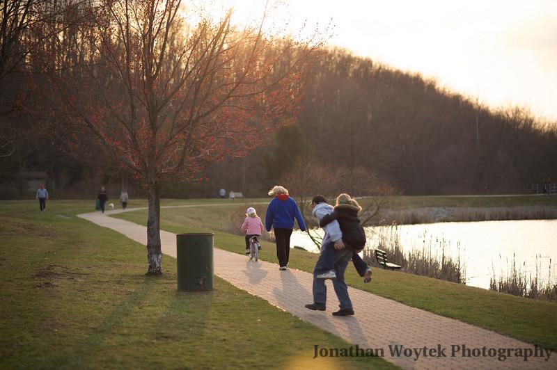 Family walk around the lake, Mammoth Park