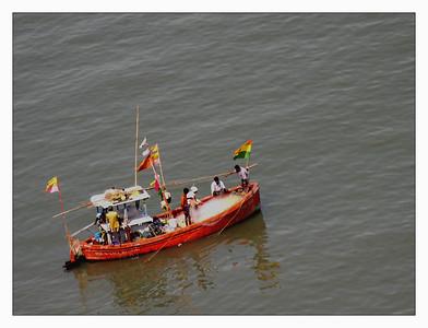 people_mumbai view from oberoi_DSCN0004