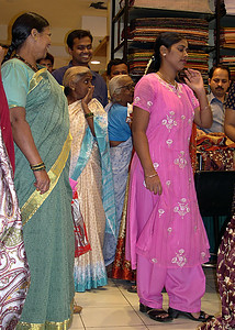 people_ buying a new saree_DSCN0025