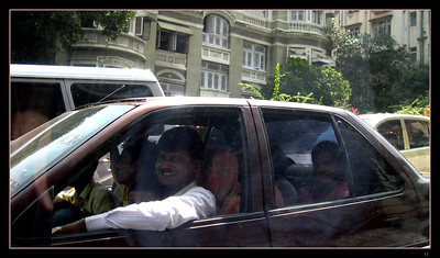 mumbai_travel_11 in one car_DSCN0030