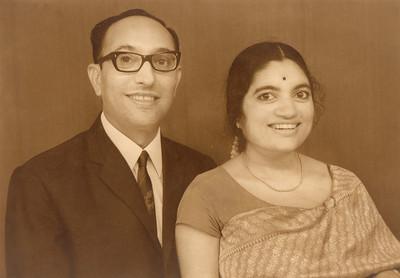 Papa (Shashi Kumar Nanda) and Amma (Sharda Seth) first studio picture after wedding