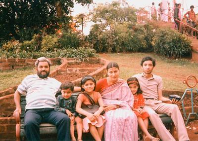 Vijay Mama, Shobha Mami, Nupur, Divya and Puneet Seth with Anish Nanda