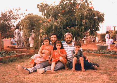Vijay Mama, Nupur, Divya and Puneet with Suchit