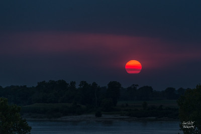 Sunset over the MIssissippi (2)