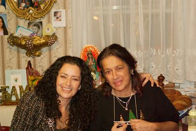 Rebecca Y Delfina Christmas 2008