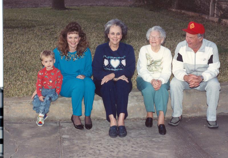 Kelley Leslie Granny-Mamaw-Papaw Bean 2896x2016