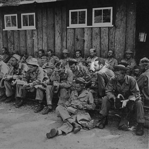 Moe in the Army 1st row 2nd from right