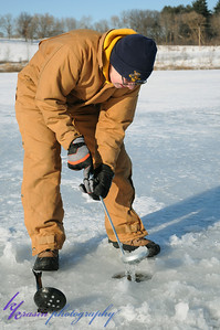 Scoopin' out the ice