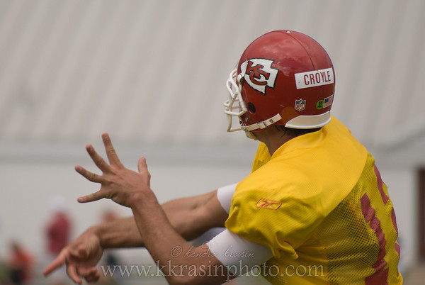 Brody Croyle throwing a pass