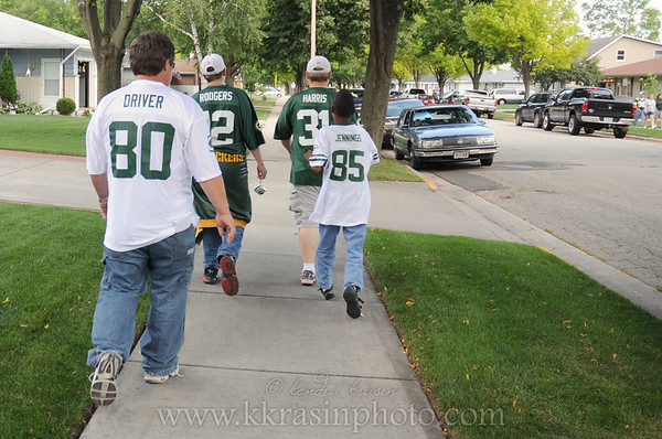 Walking to the game with Nick, Alonzo, my dad & Paul
