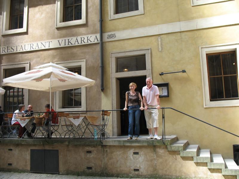 Jirina and Emil mat Vikarka Restaurant