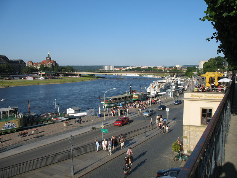 Tourists strolling along the Elbe River - Dresden
