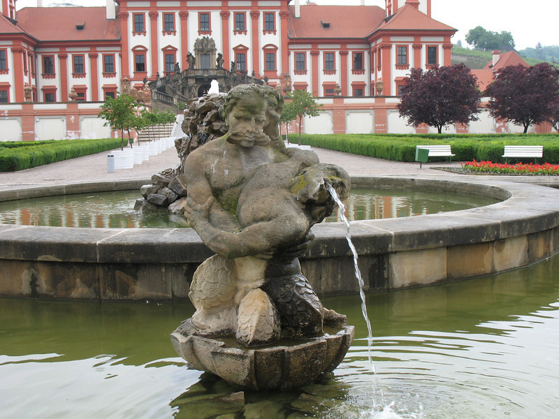 Another fountain - Troja Chateau