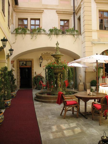 Patio, Alchymist Grand Hotel