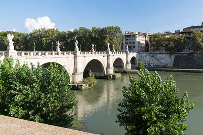 Ponte Sant'Angel - Tiber River