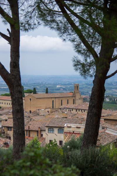 Turm im Park della Rocca