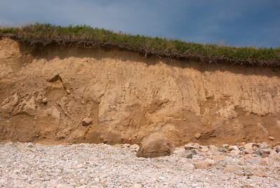 This is down the beach  Faraway shot of this beach: http://robertcain.smugmug.com/gallery/3121374/1/171281691/Large