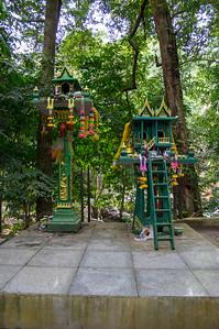namuang Safari Park - Gift to the Gods