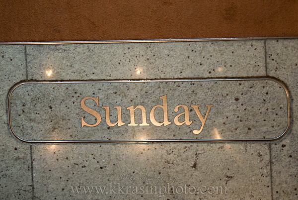 Yes, it was Sunday.  The elevator had interchangeable plates with the day of the week, so we made sure to get a photo each day