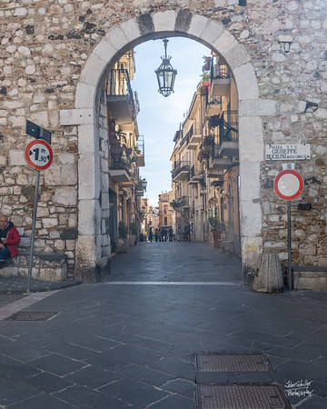 "Corso Umberto - the main ""walking thoroughfare"" in Taormina"