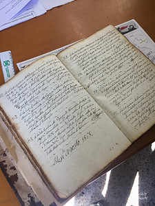 Exploring the records of the Nicastro Municipal Cemetery