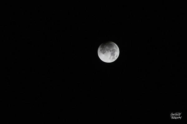 Umbral eclipse begins 3:48am PST