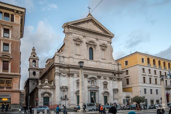 Fontanelle del Palazzo dei Penintenzieri, along Via della Conciliazione.
