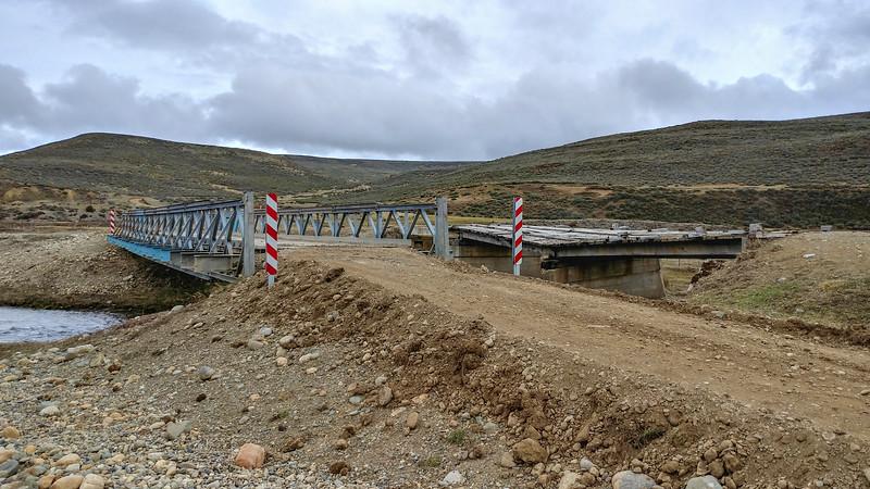 The bridge (new and old) over the Rio Serrano, just east of Porvenir