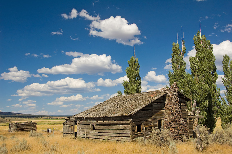 An old homestead outside Paulina.