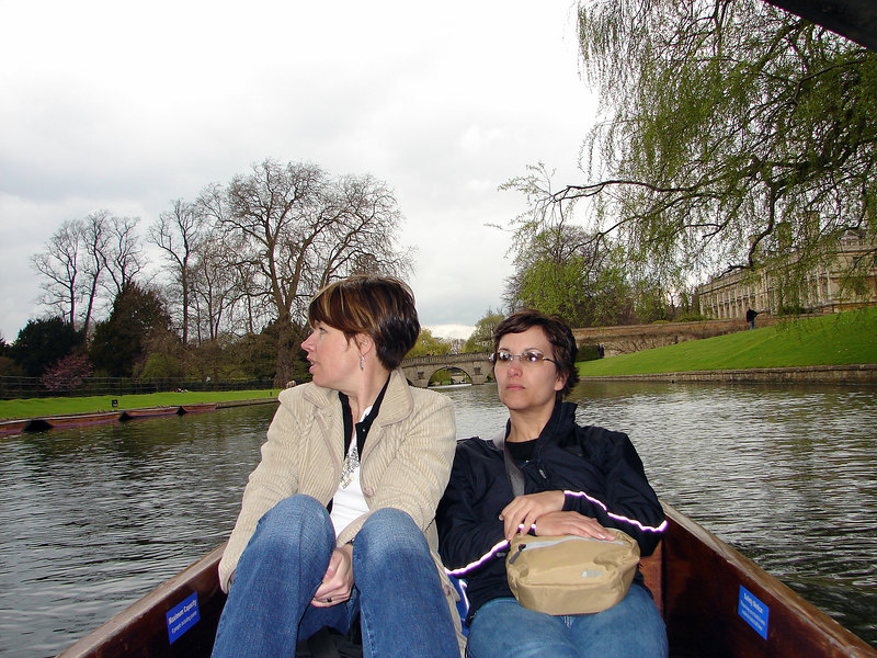 Michelle and Suzy being punted around Cambridge. Lucky.