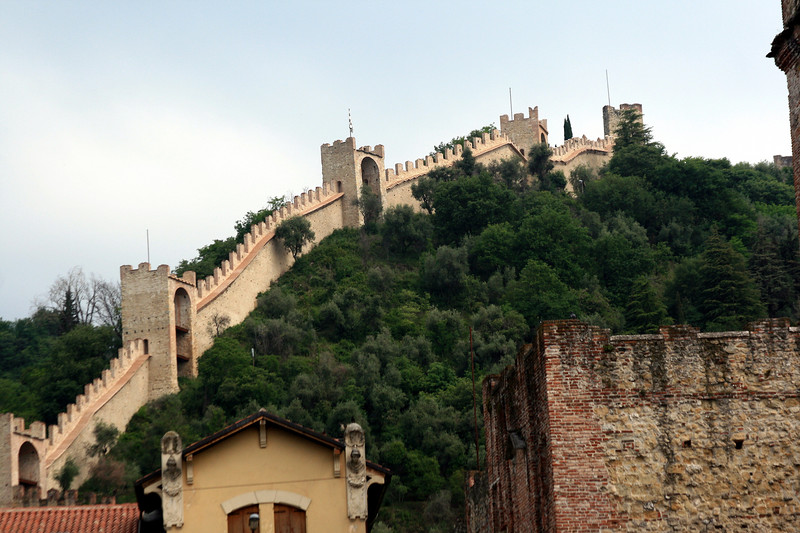 A fortified wall surrounding a city. amazing.