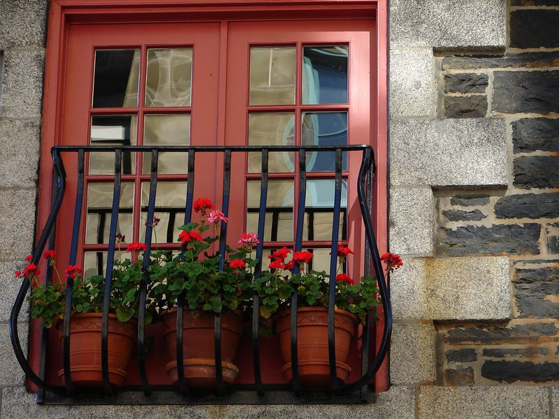 Great colours on a downtown balcony. old world style. nice.