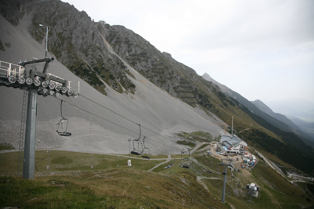 Below you can see the construction on the cable car's end station at Seegrube.