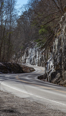 Winding down through some S-curves into the Cumberland River Valley, with icicles covering the cliffs along the road,