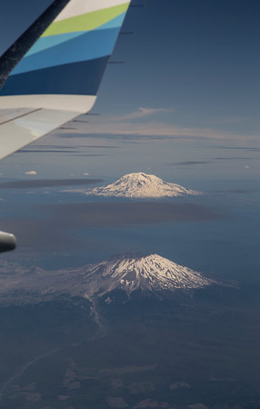 Mount Rainier and Mt. St Helens on my way north to land at Paine Field!
