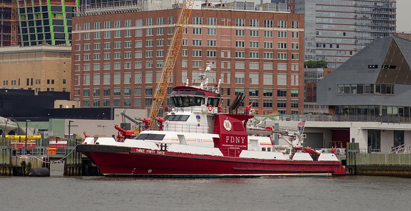 One of the NYFD fire boats on the Hudson (this one's for you dad!)