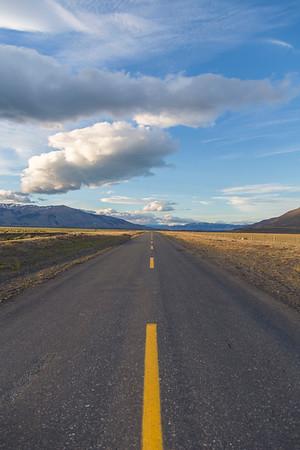 The road just east of Lago el Toro