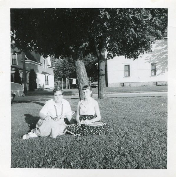 1958 August Visiting Aunt Florence adn Uncle Justin Kauffman Salamenca Marlene and Carol