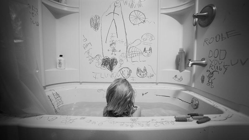 bath crayons bw