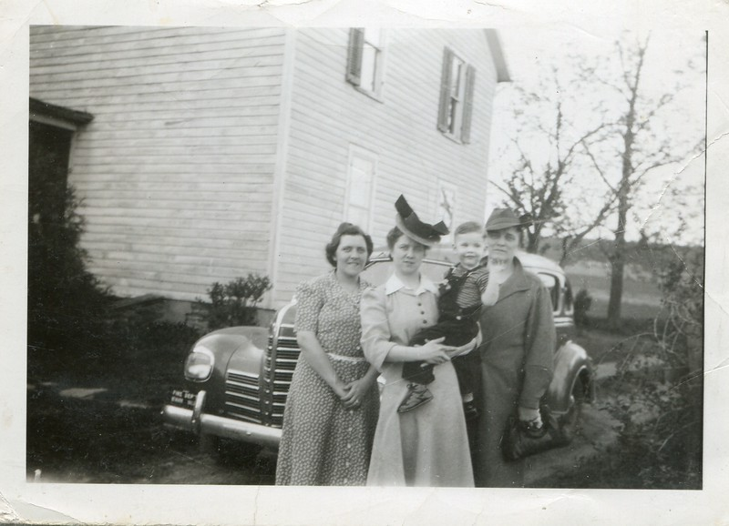 1942 Alice Robert