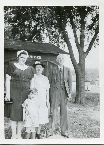 Alice Ruth Edwin and Robert VanDeventer