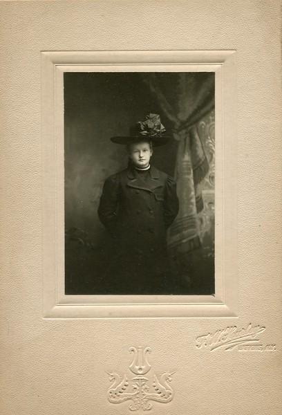 Ester Mills 3