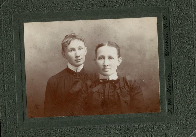 sisters Ruth Edna Pangborne and Clara Pangborne Waugh